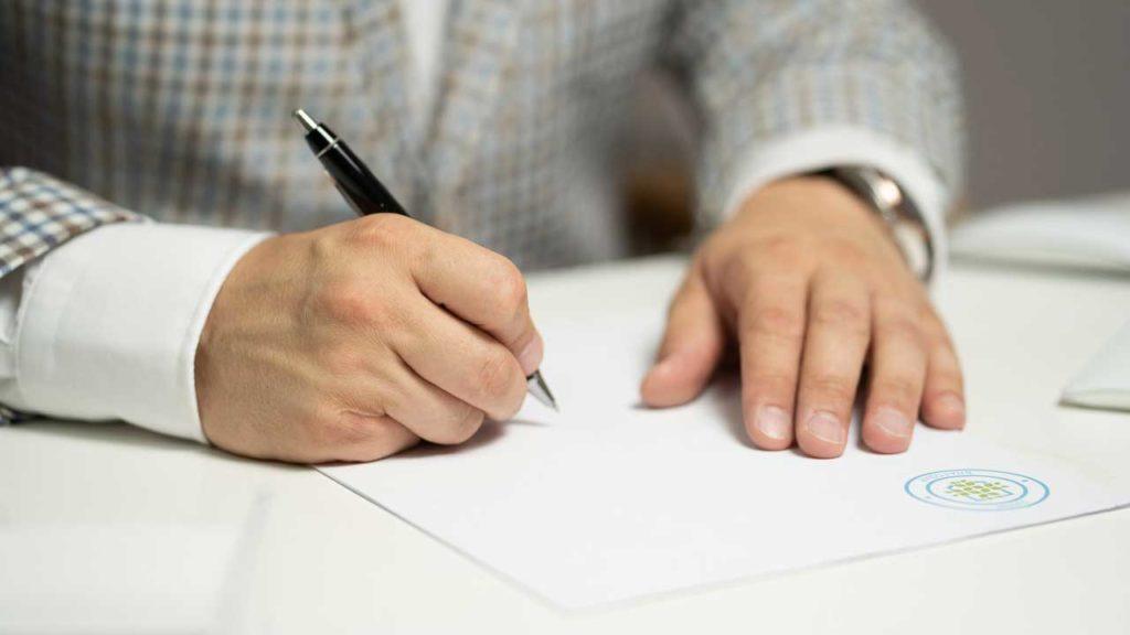 就労ビザ取得に必要な書類